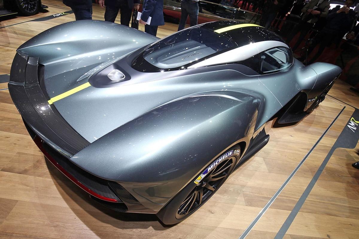 Aston Martin Valkyrie -02