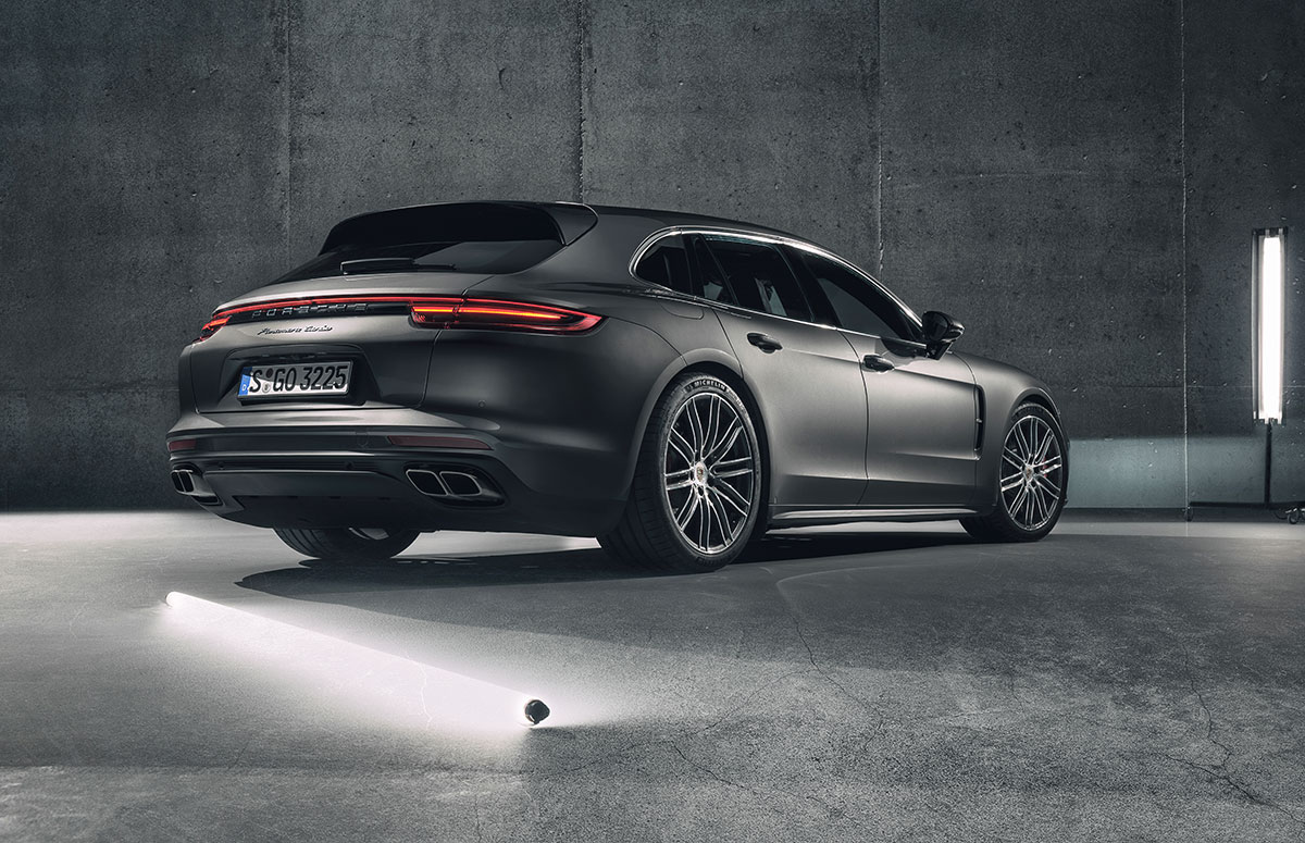 1703-Porsche-Panamera-Sport-Turismo-01