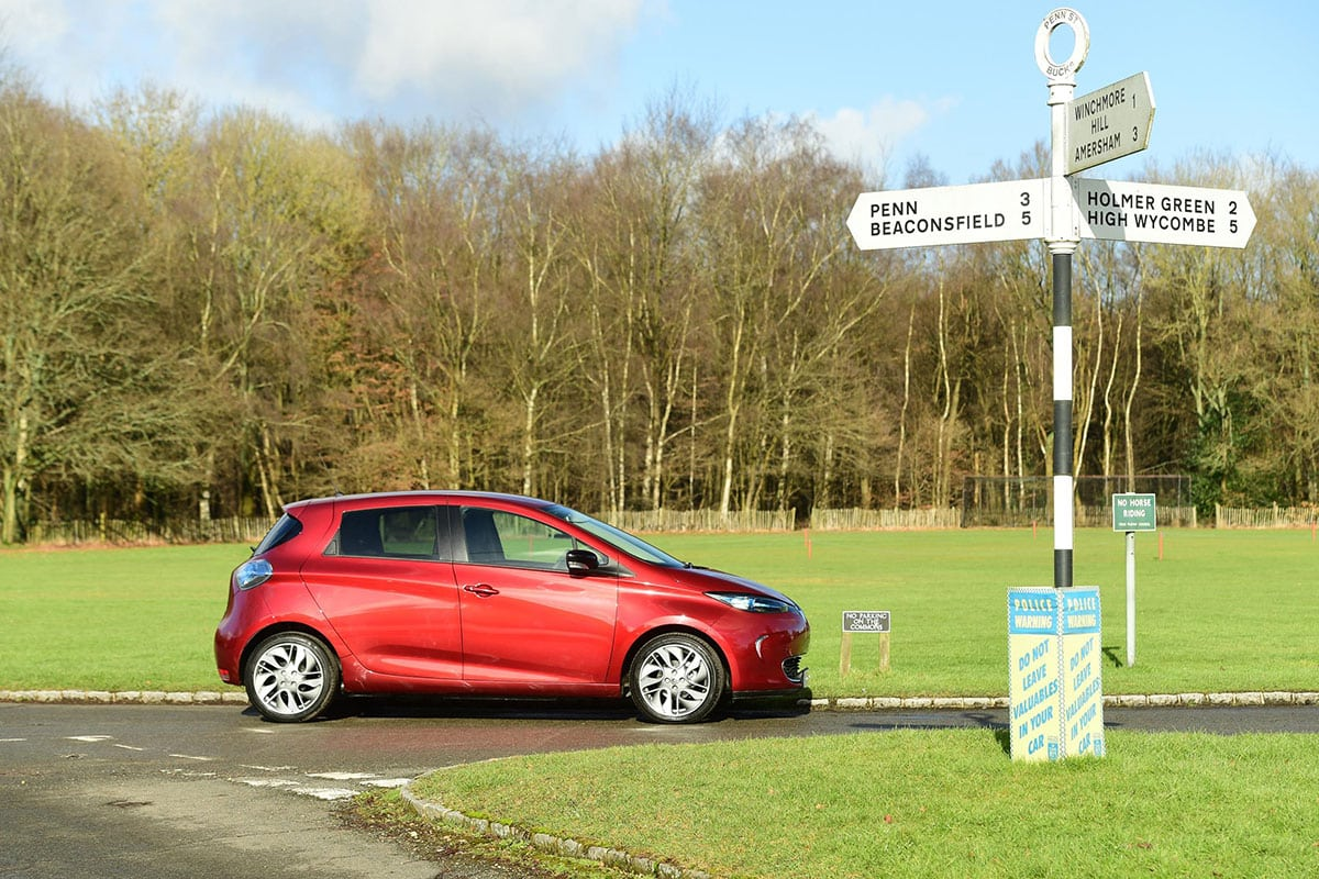 Renault Zoe side outside