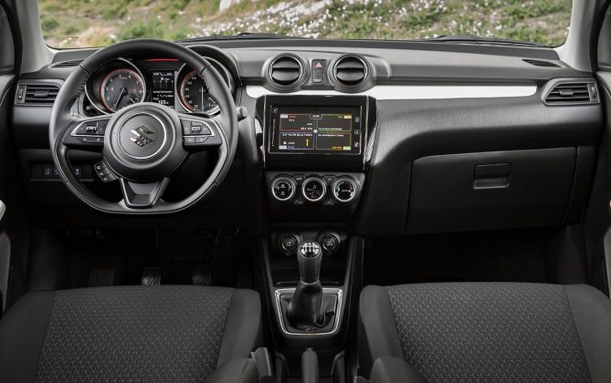Suzuki Swift dash