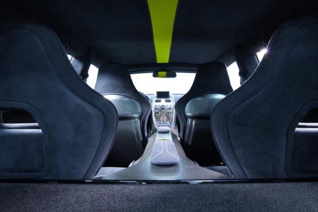 Aston Martin Rapide AMR 05