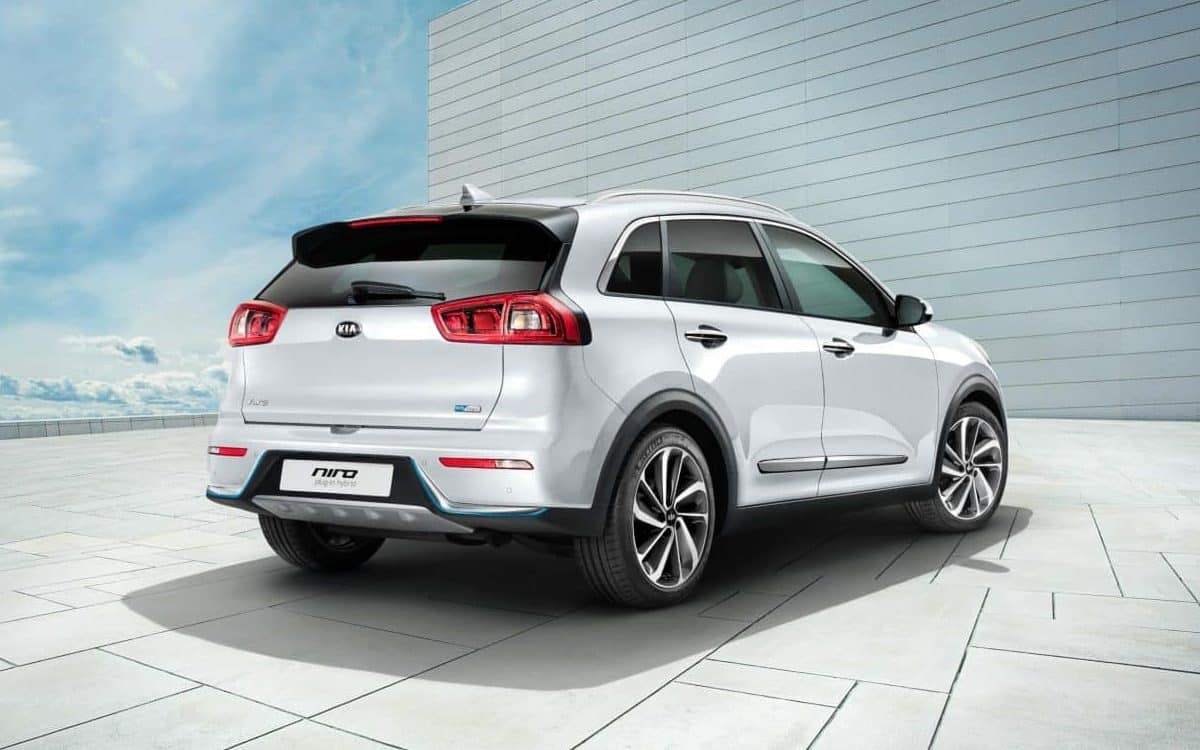 Kia unveils two new plug-in hybrids: the Niro - seen here - and the Optima Sportswagon