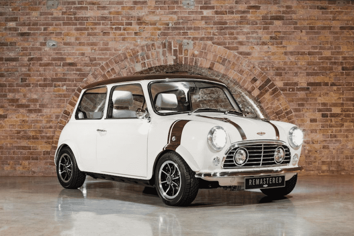 David Brown Automotive Mini Remastered White (The Car Expert)