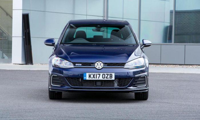 Volkswagen Golf GTE front