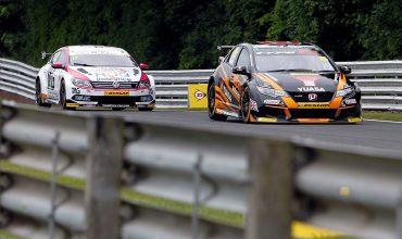 Honda tops charts again at Oulton BTCC
