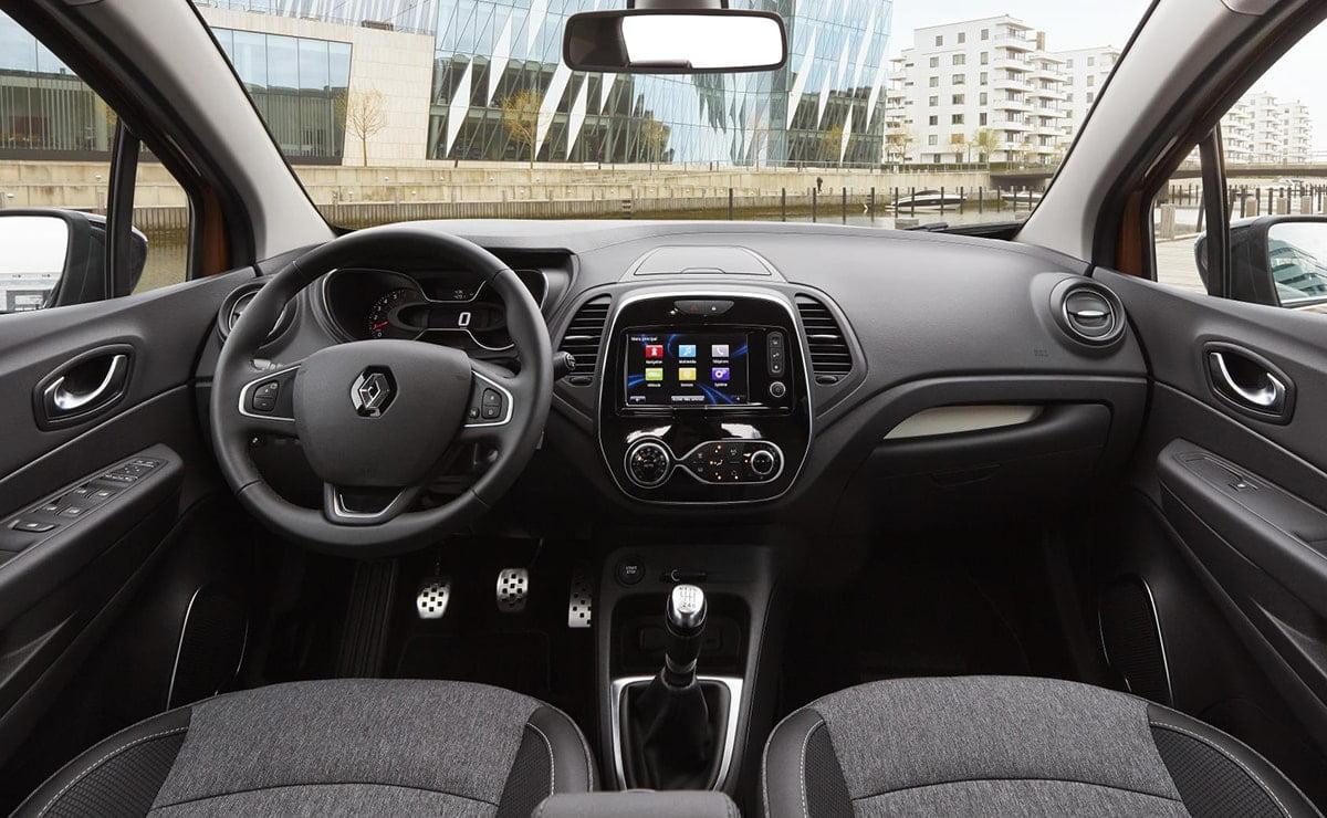 1705 Renault Captur interior