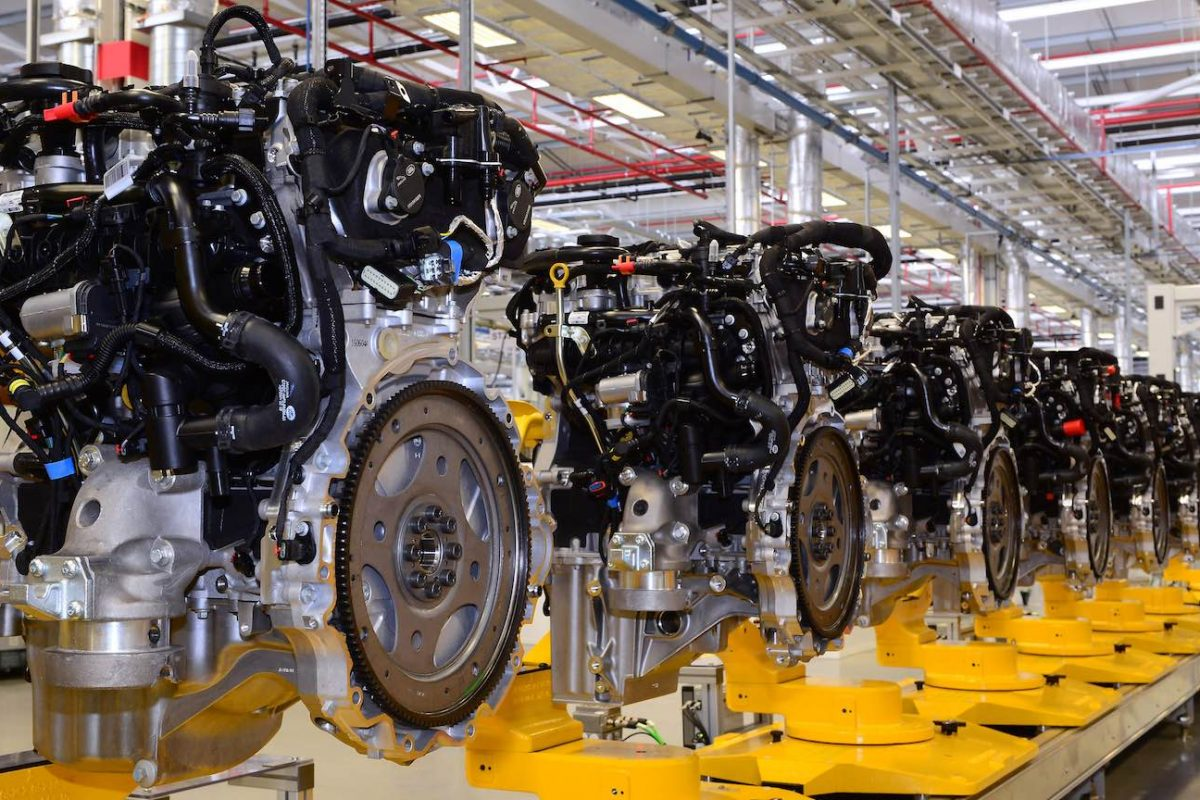 Jaguar Land Rover Ingenium petrol engine production