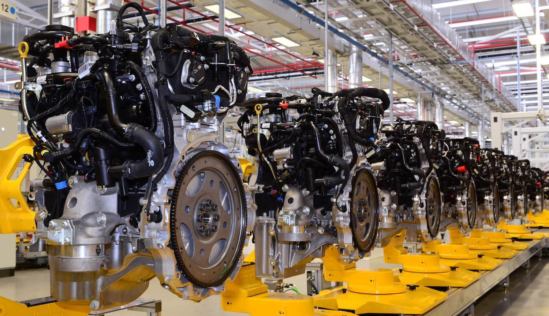 JLR-Ingenium-petrol-engine-02