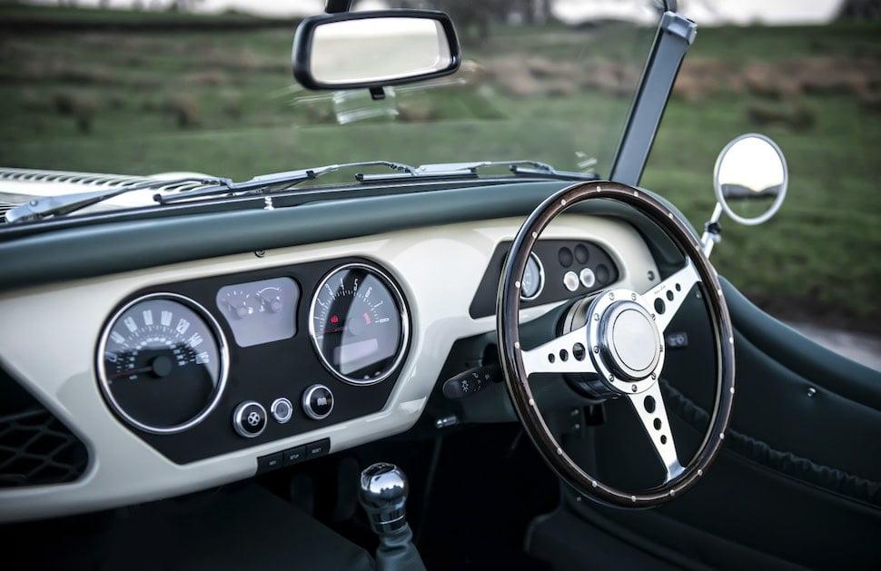 Morgan Roadster dashboard | The Car Expert