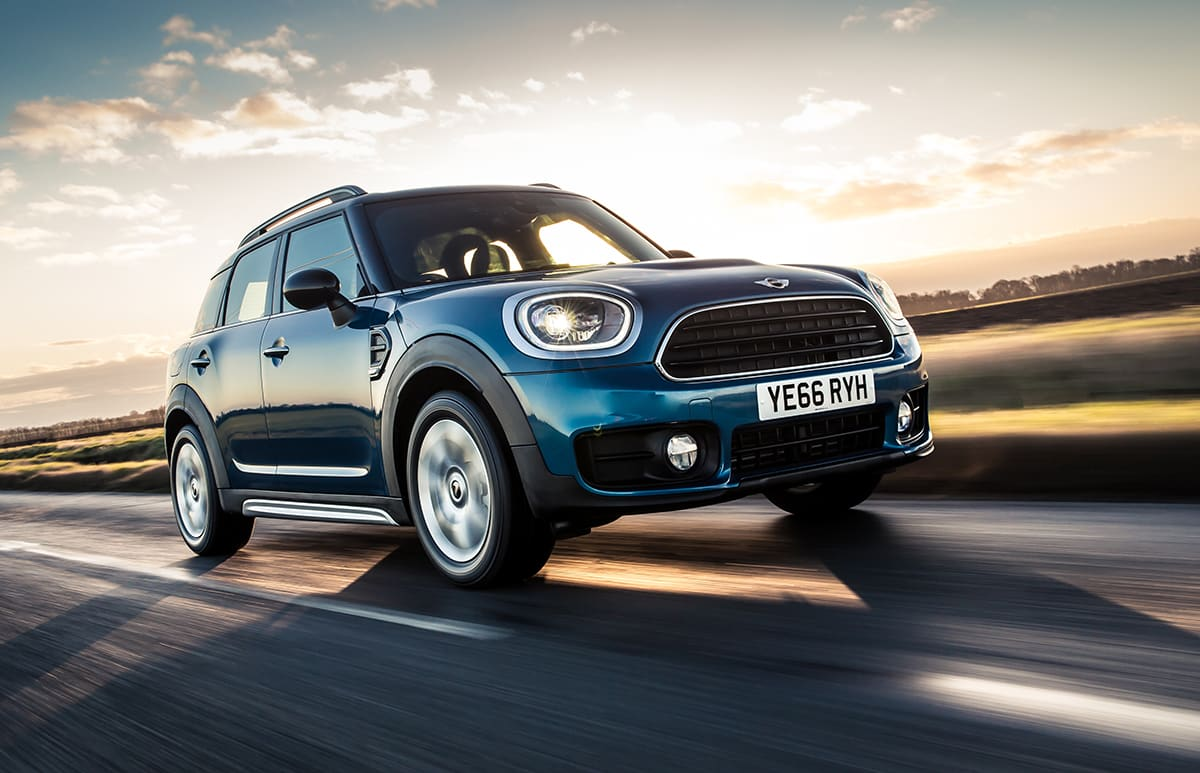 1706-MINI-Countryman-01