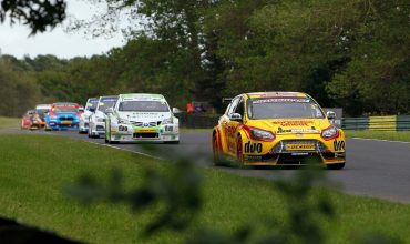 Ford joins winners at dramatic Croft BTCC