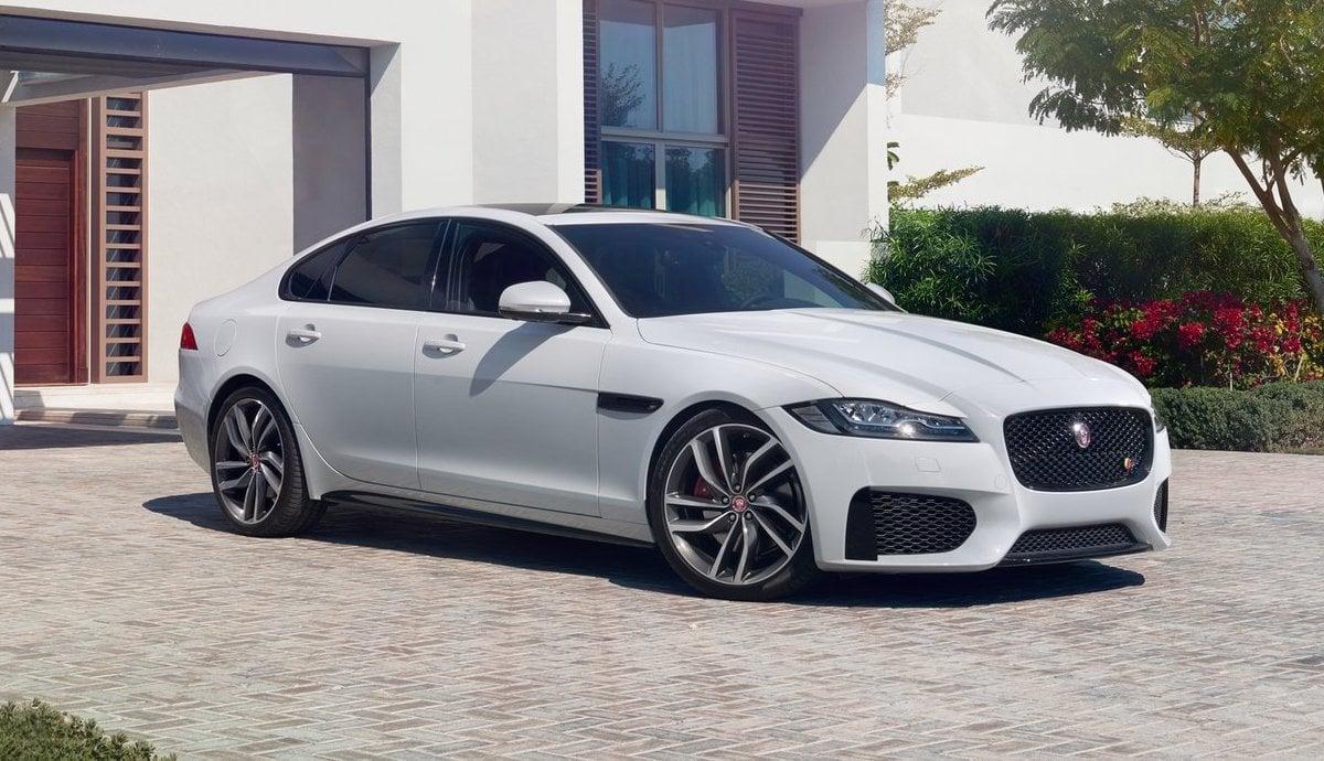 Jaguar XF S saloon executive car review 2017 (The Car Expert)