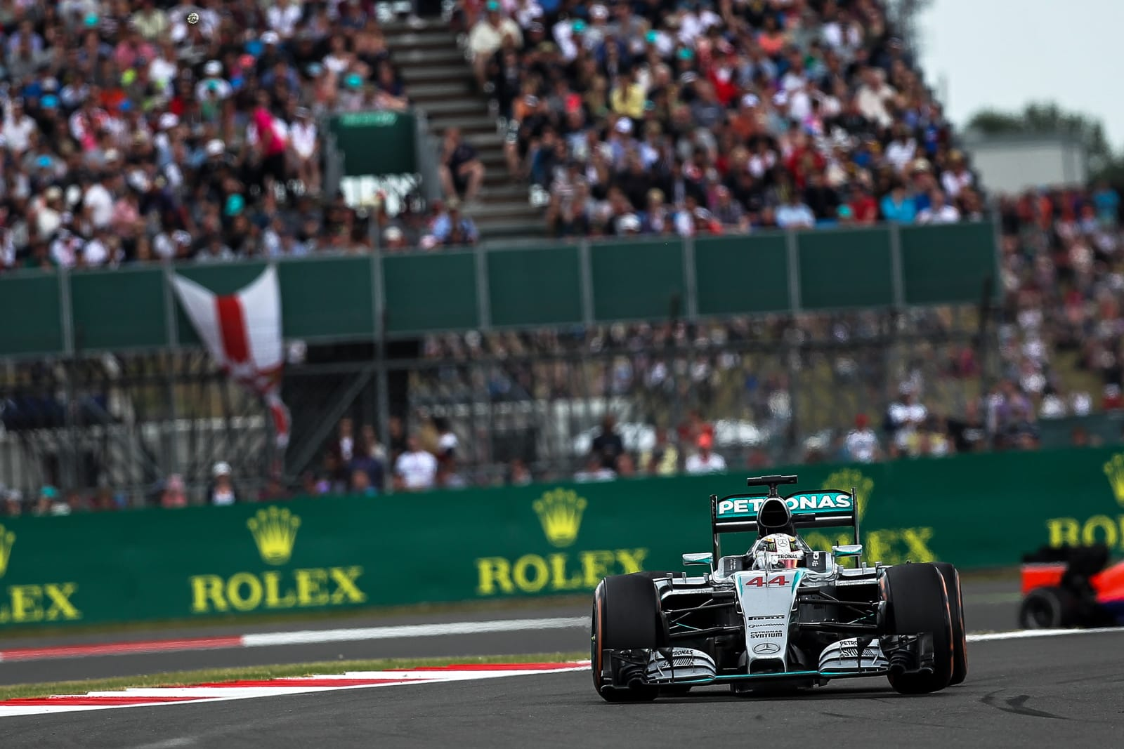 Silverstone owner 'posturing' over future of British Grand Prix