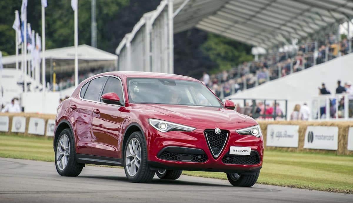 Alfa-Romeo-Stelvio-2