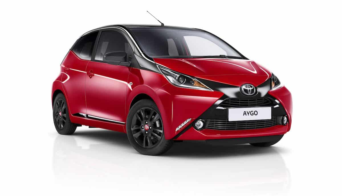 Toyota Aygo x-cite in Red Pop