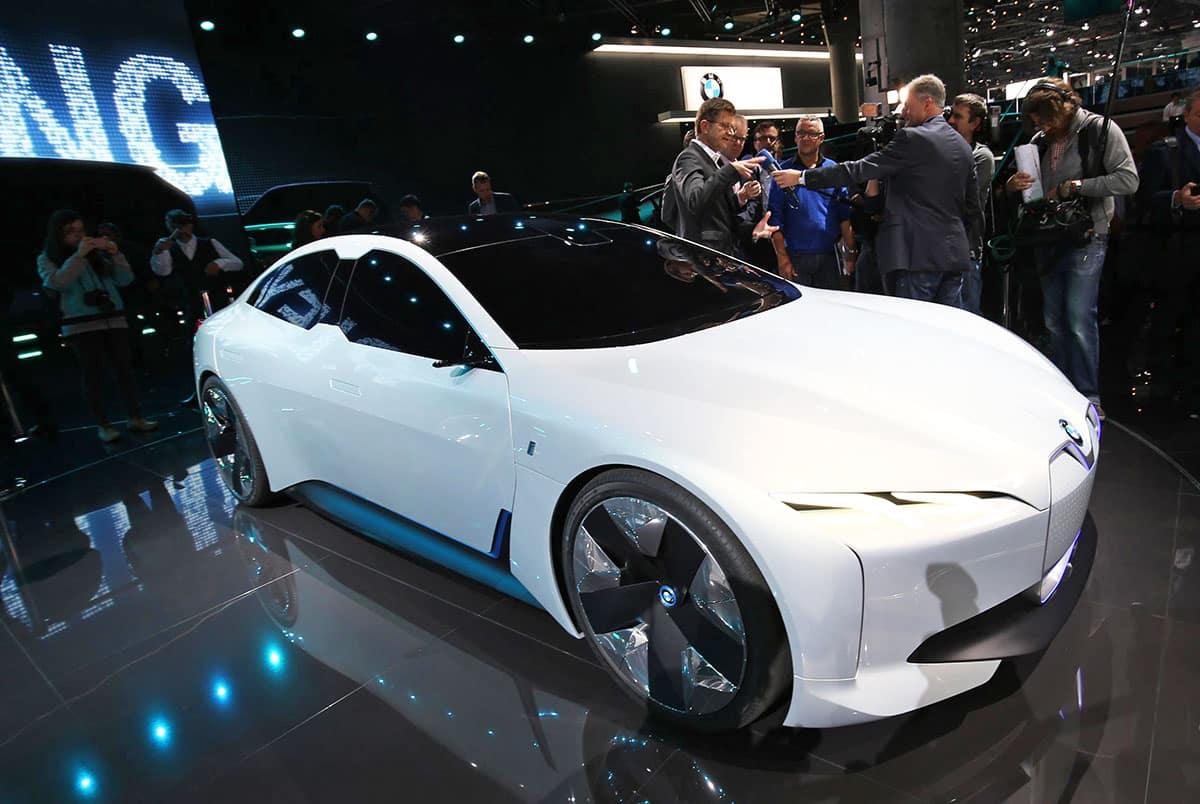 1709-BMW-i-Vision-Dynamics