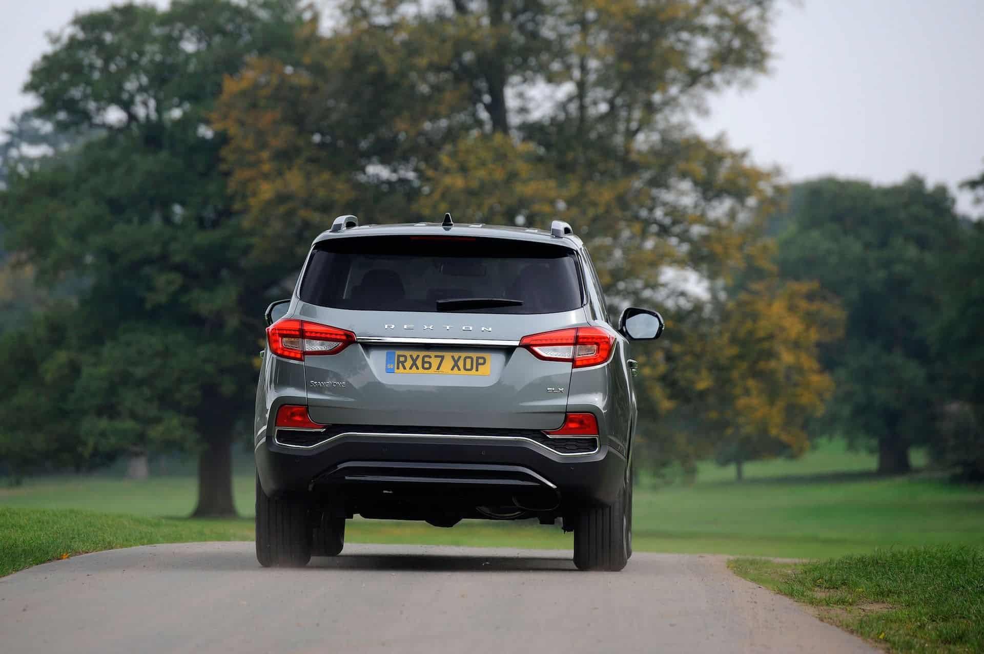 SsangYong Rexton rear view | The Car Expert review 2017