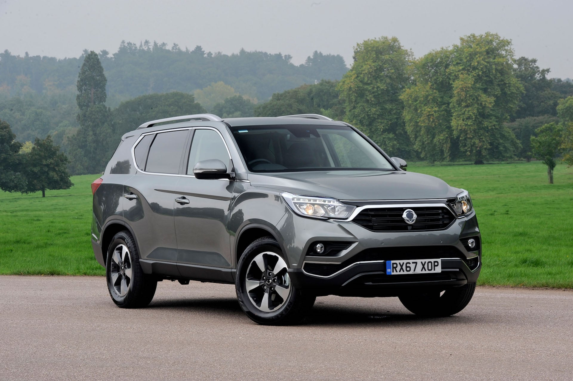 SsangYong Rexton large SUV review 2017   The Car Expert