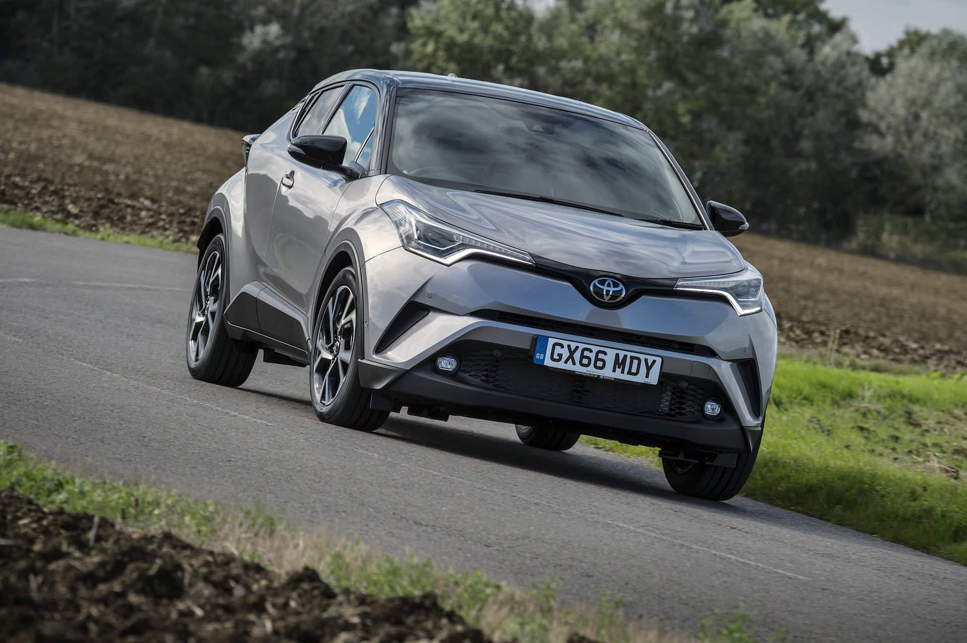 Toyota C-HR attacking a corner | The Car Expert
