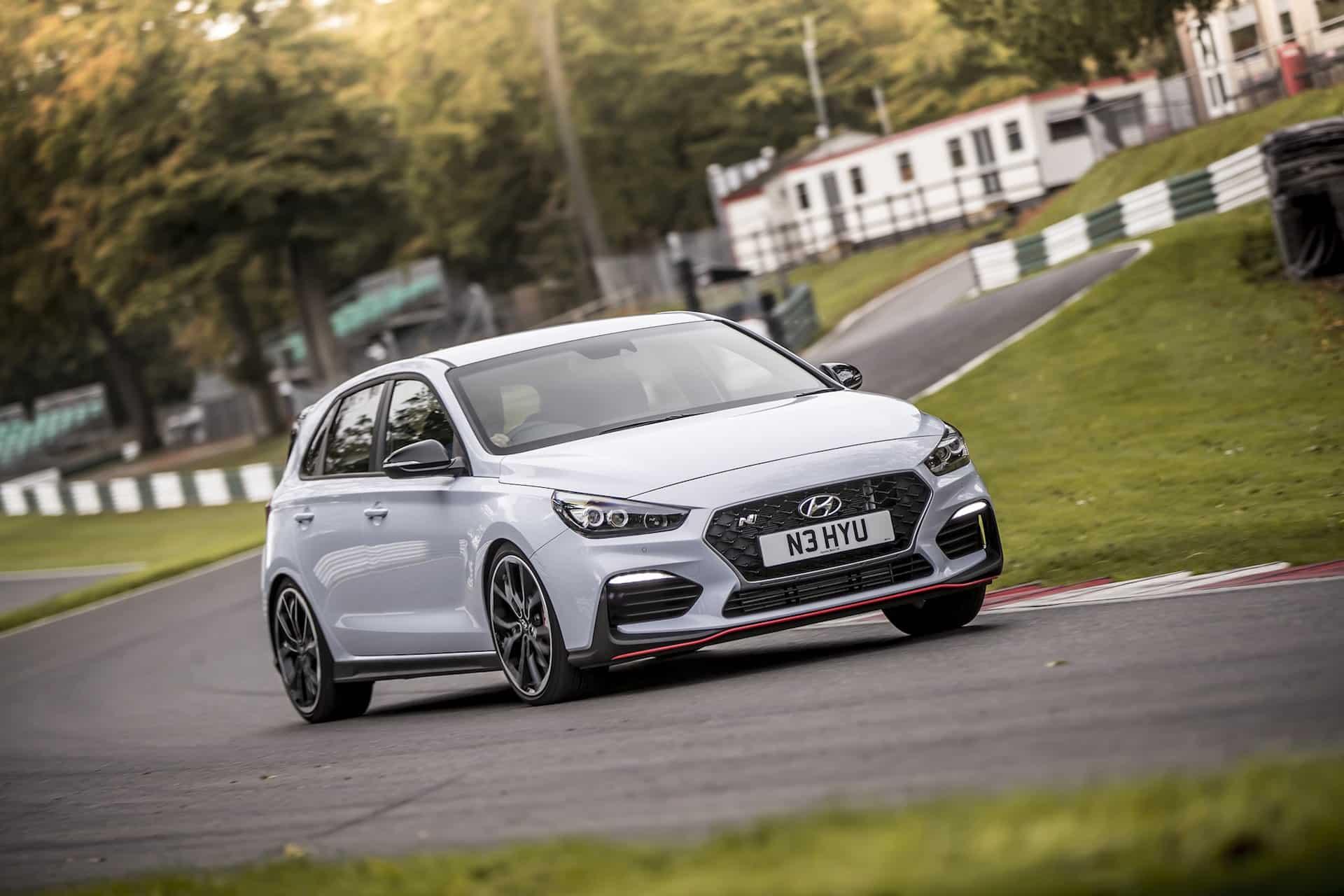 Hyundai i30 N in action at Cadwell Park (The Car Expert)