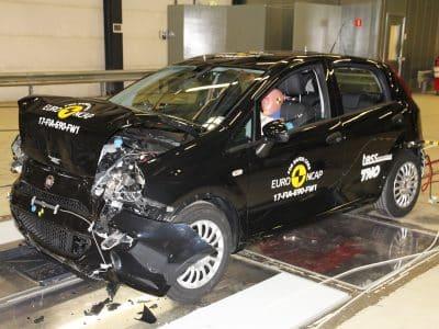 1712-Fiat-Punto-crash-test