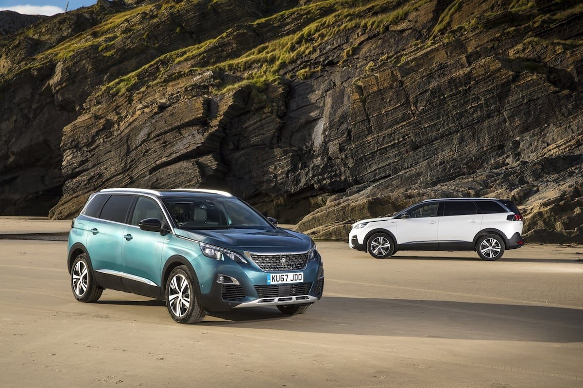 Peugeot 5008 SUV on the beach (The Car Expert)