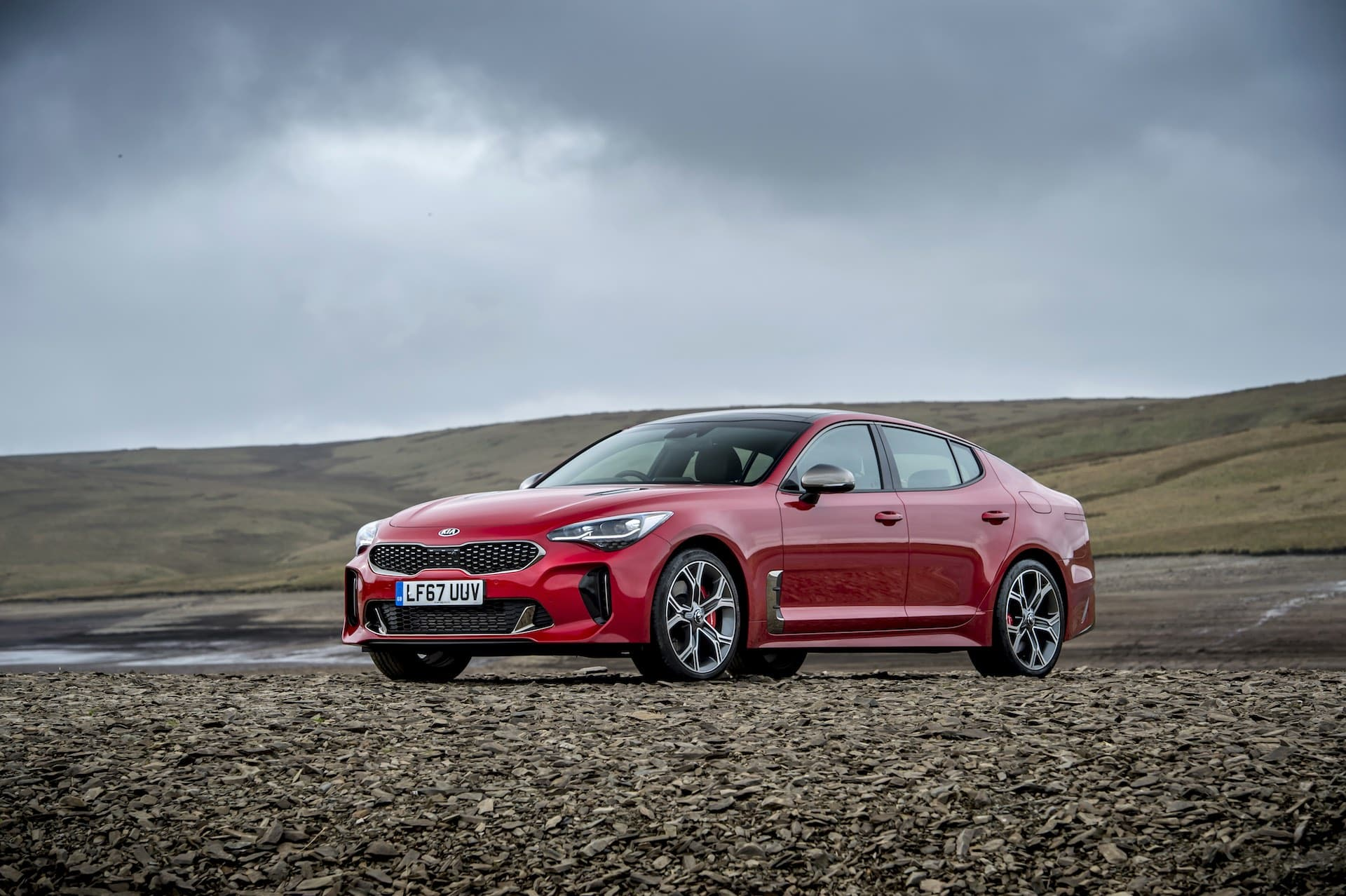 Kia Stinger GT S (The Car Expert review 2017)