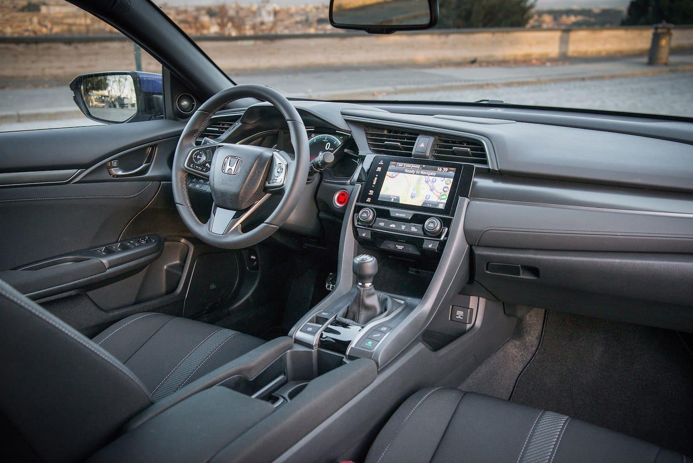 Honda Civic diesel interior