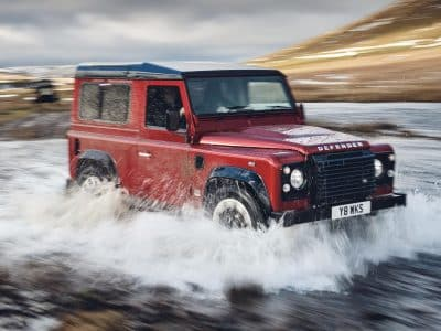 1801-Land-Rover-Defender-V8-02