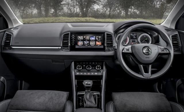 Skoda Karoq dashboard (The Car Expert 2018)