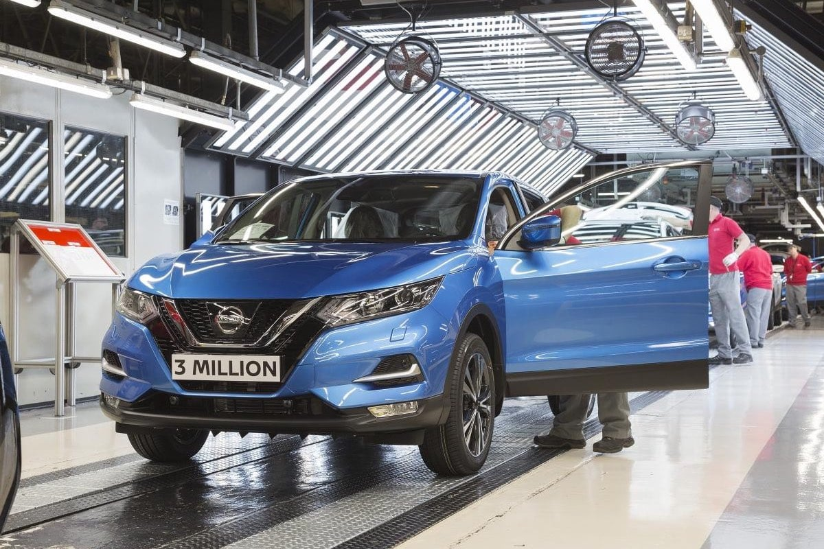 The 3 millionth Nissan Qashqai rolls down the production line in Sunderland