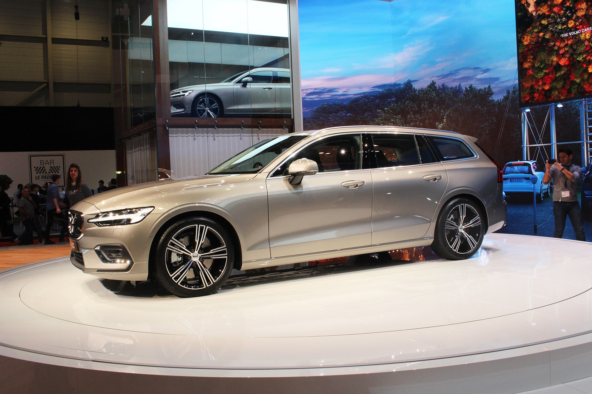 The Car Expert Geneva Volvo V60