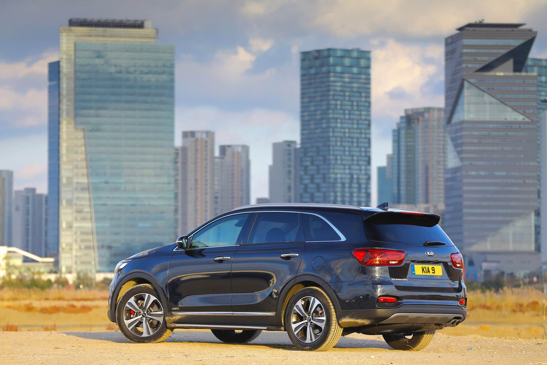 Kia Sorento GT-Line rear view (The Car Expert 2018)