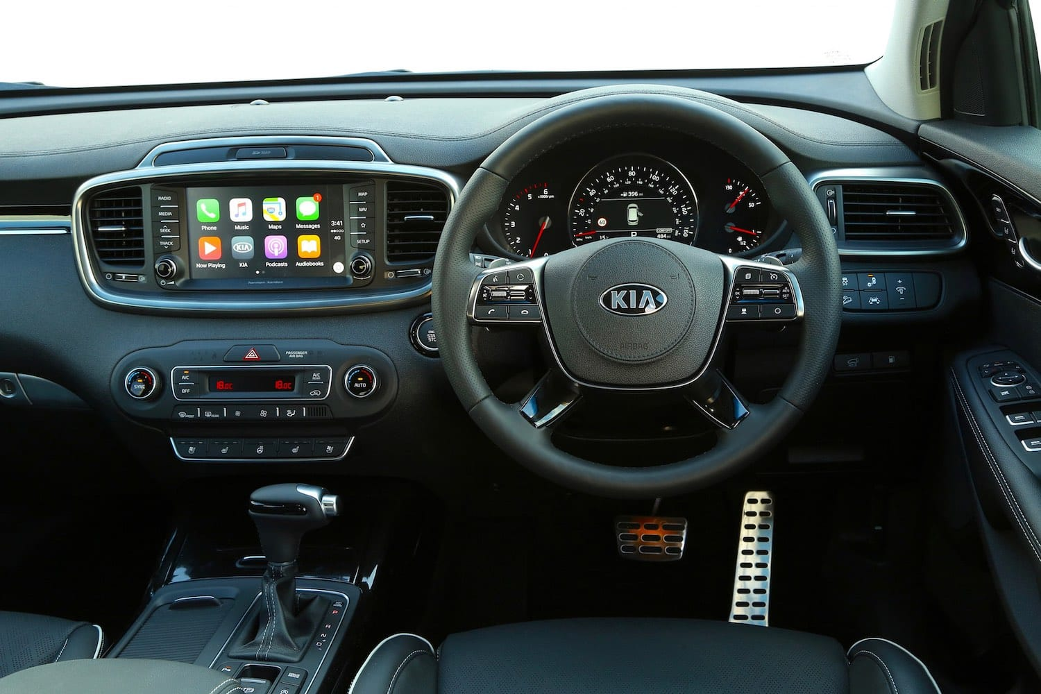Kia Sorento GT-Line dashboard (The Car Expert)