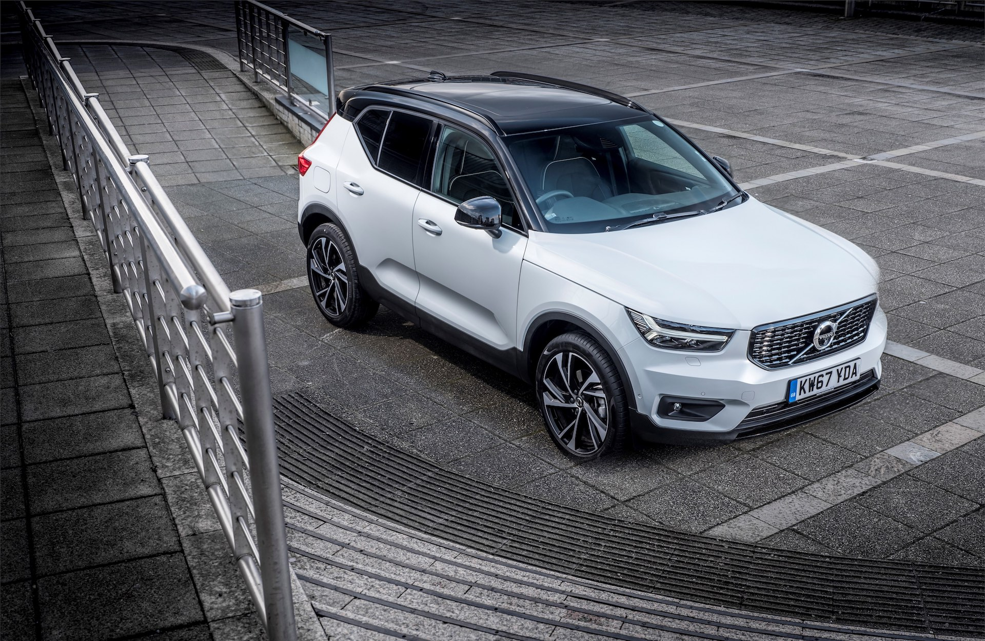 Volvo XC40 overhead view (The Car Expert)