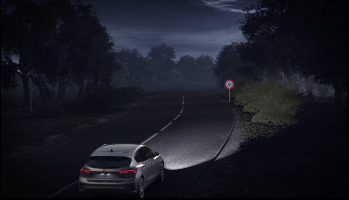 Ford Focus adaptive headlights
