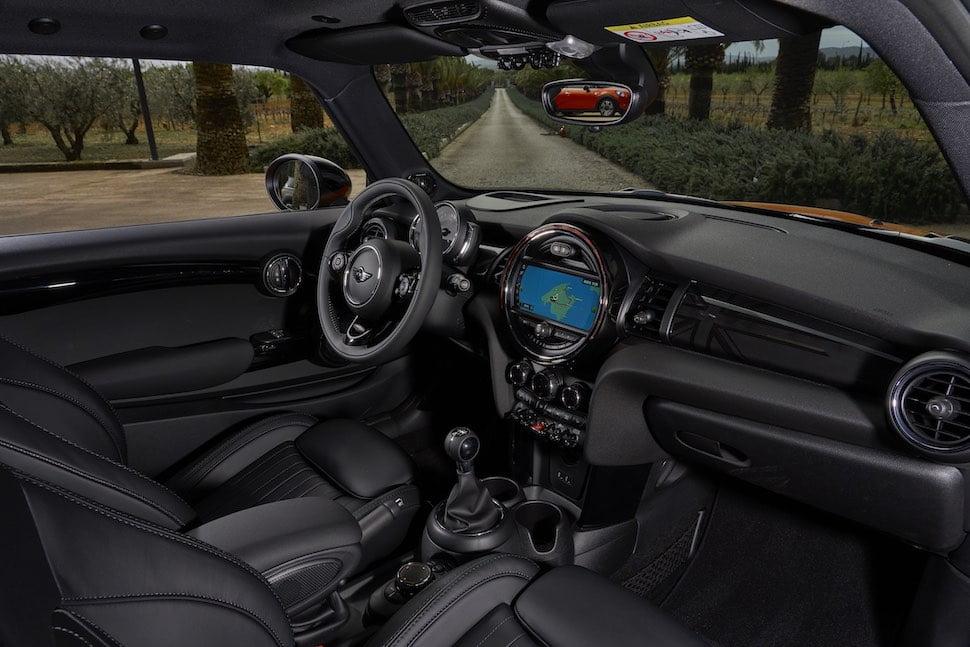 2018 Mini Cooper S hatch interior | The Car Expert