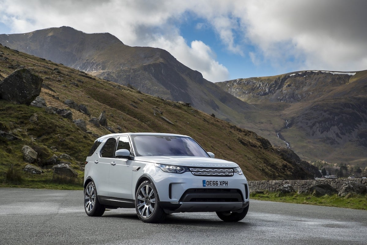 2018 Land Rover Discovery review - 02