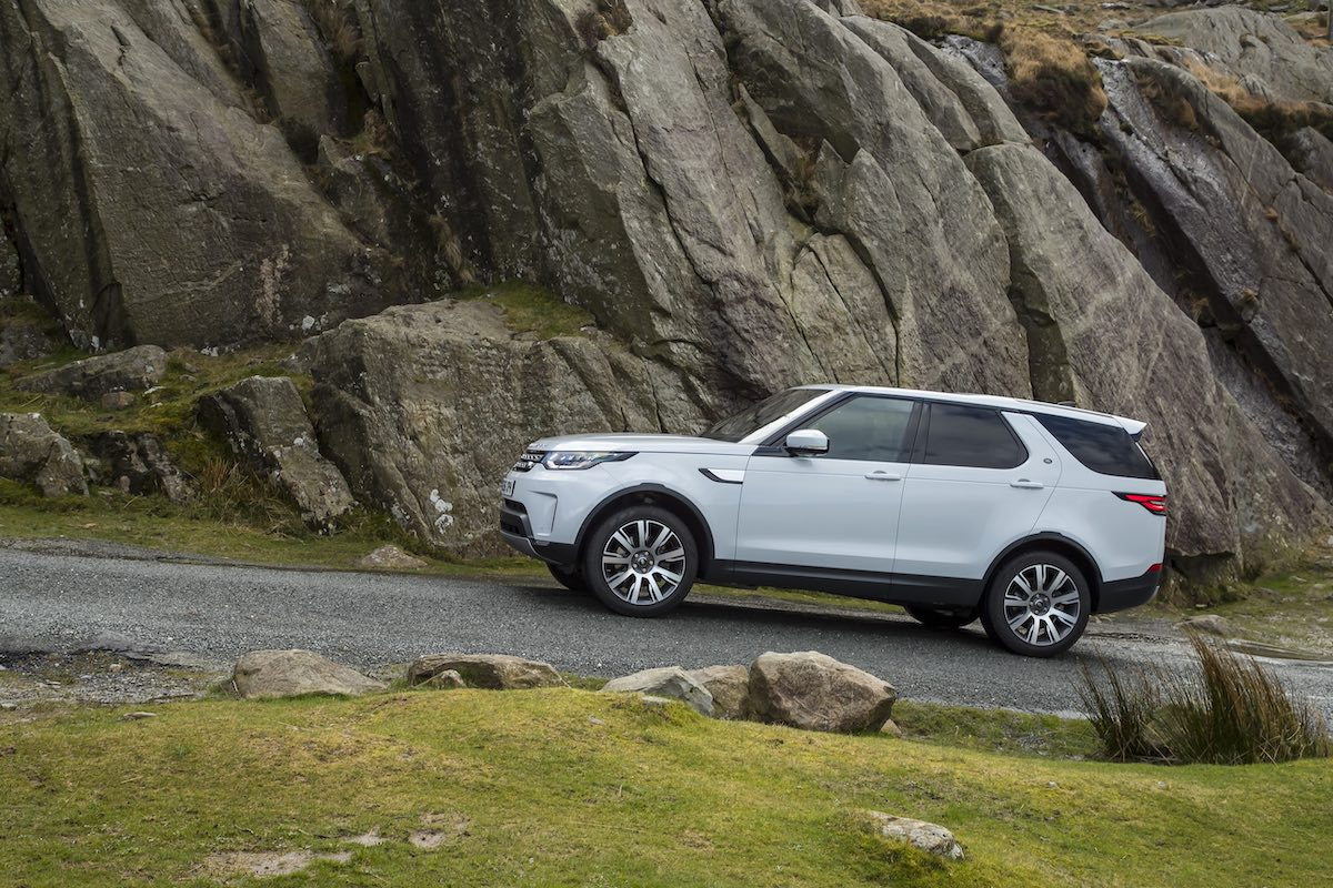 2018 Land Rover Discovery review - 04