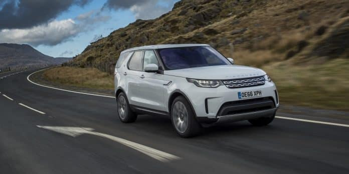 2018 Land Rover Discovery review wallpaper | The Car Expert