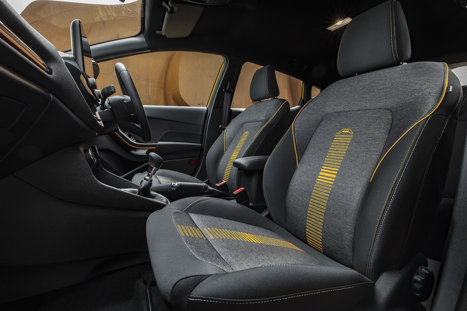 Ford Fiesta Active front seats