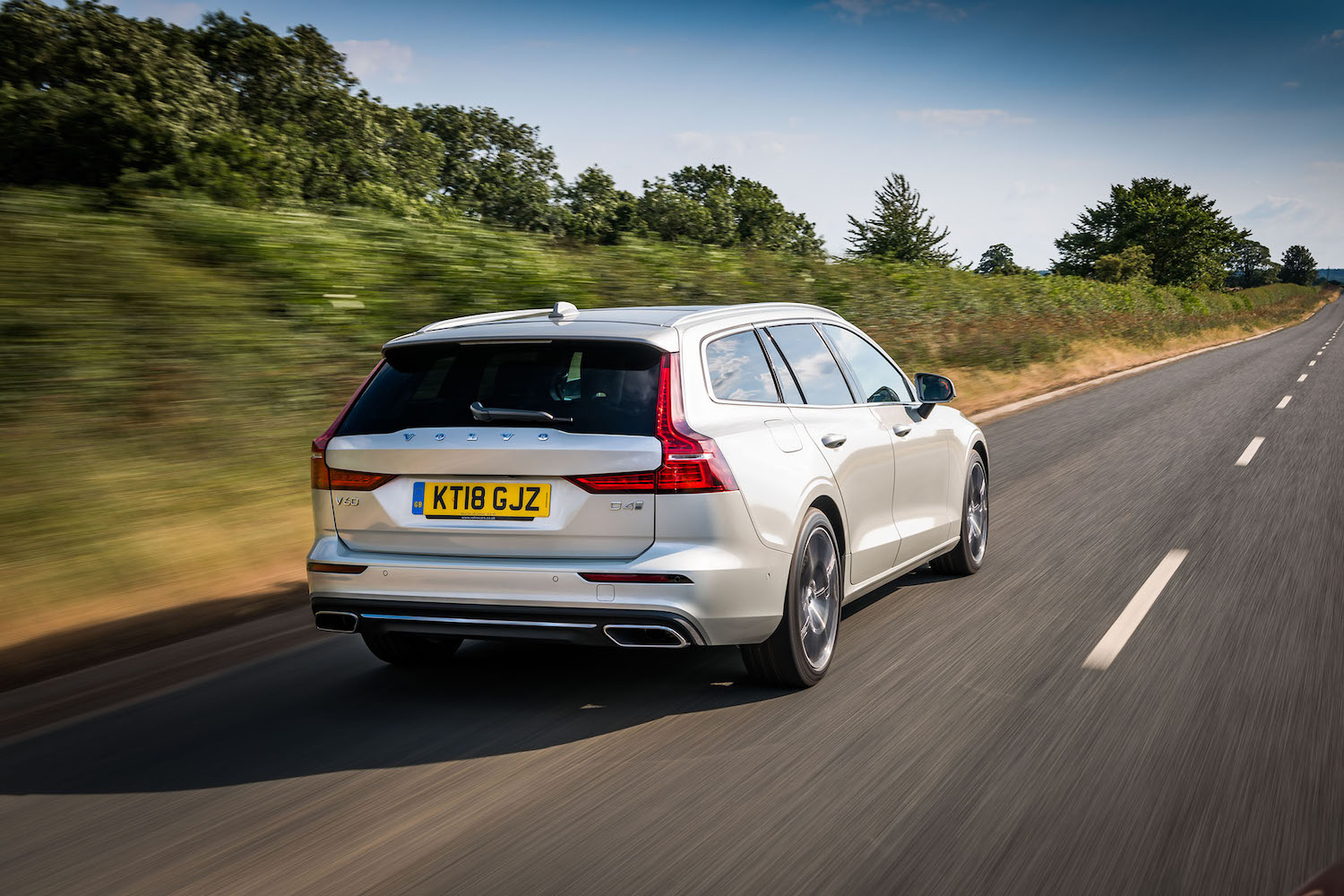 Volvo V60 estate review 2018 (The Car Expert)