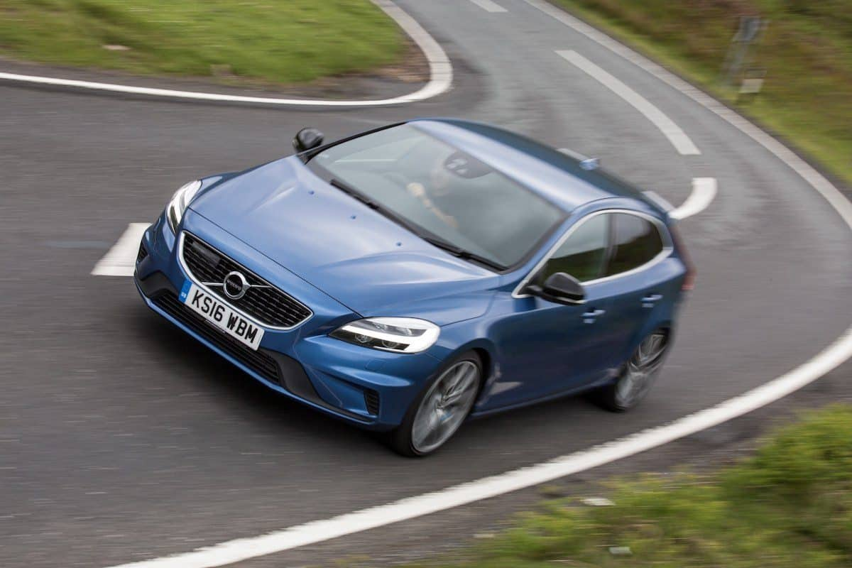 Volvo V40 wins safest used car award 2018