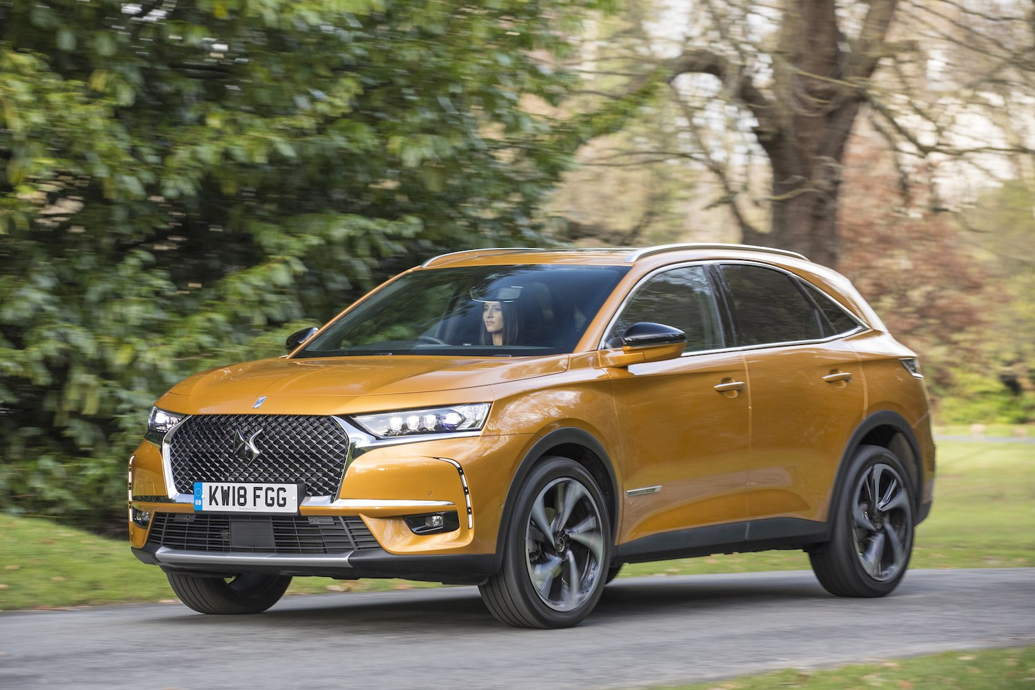 DS 7 Crossback road test 2018 | The Car Expert