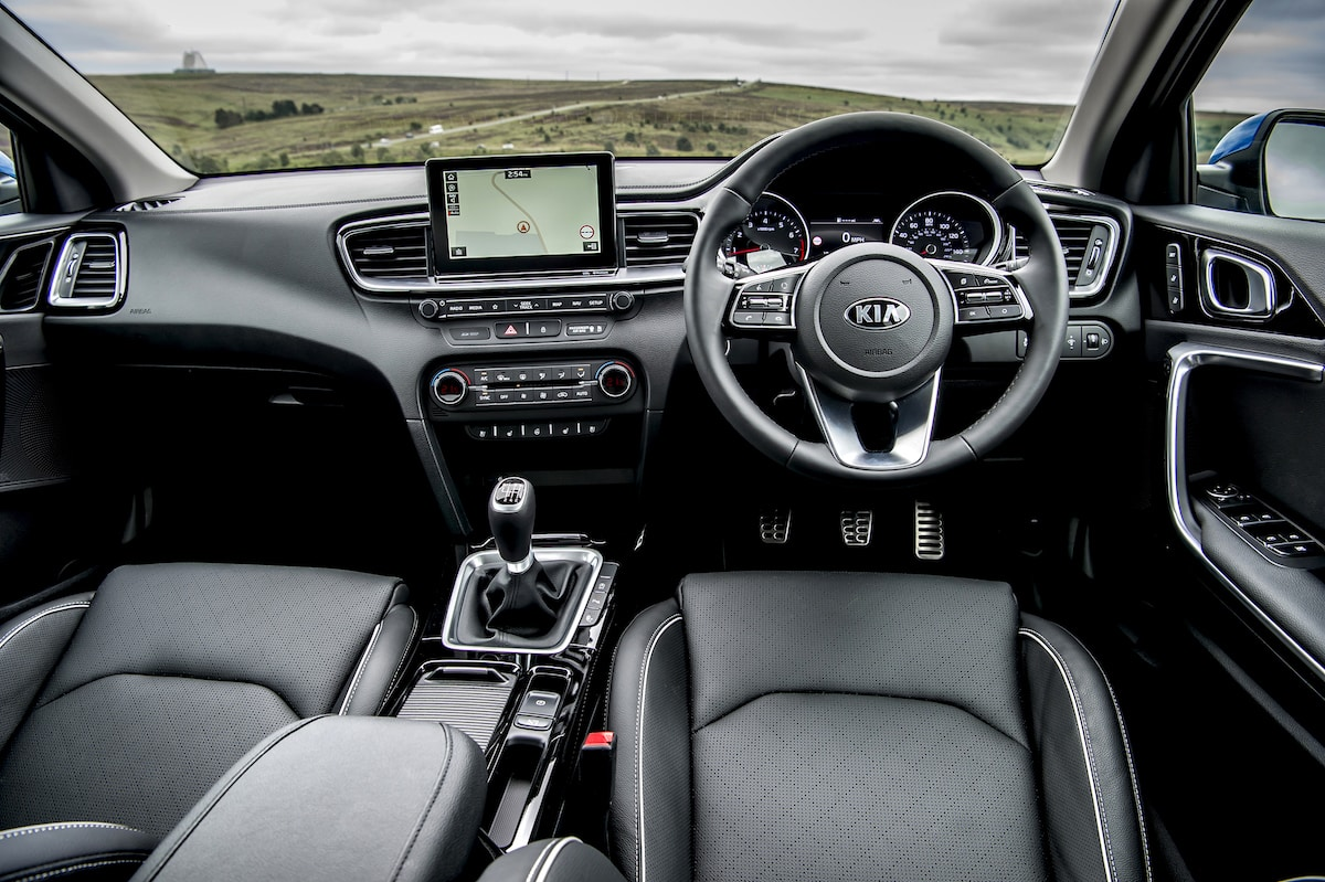 Kia Ceed (2018 - present) interior and dashboard | The Car Expert