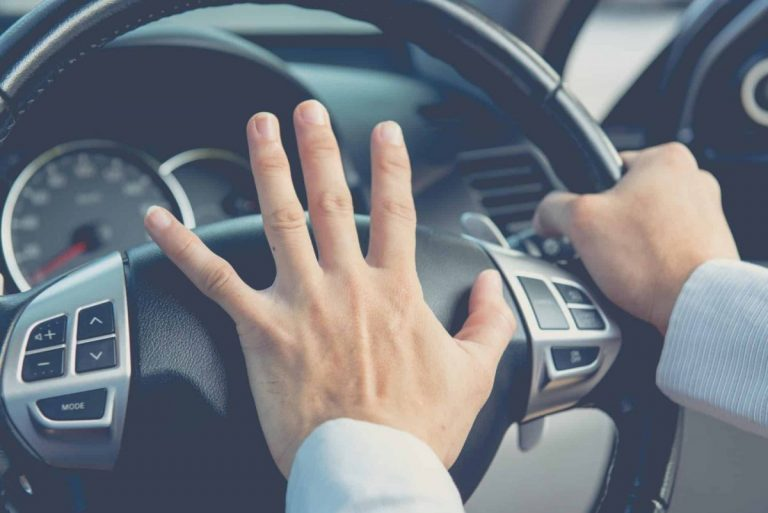 Top tips for handling stress behind the wheel