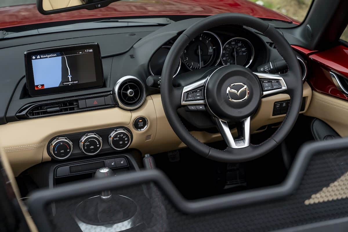 2019 Mazda MX-5 dashboard