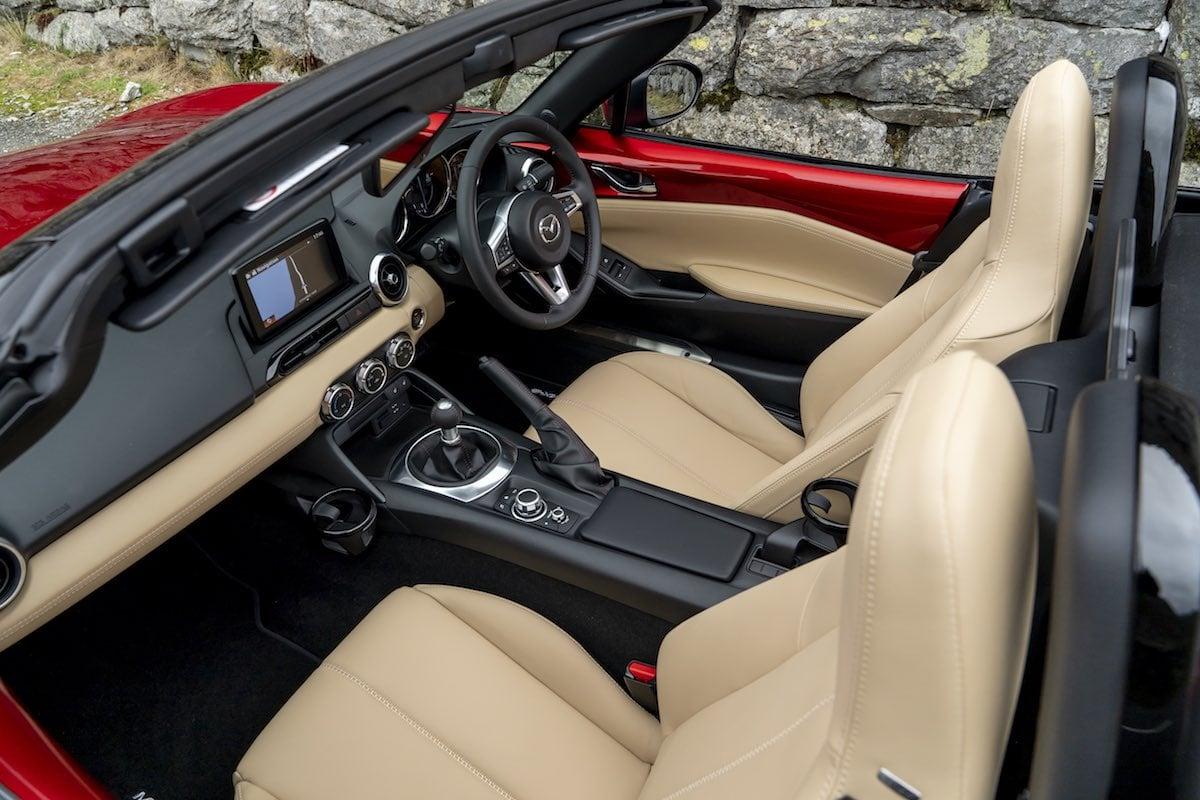 2019 Mazda MX-5 cabin