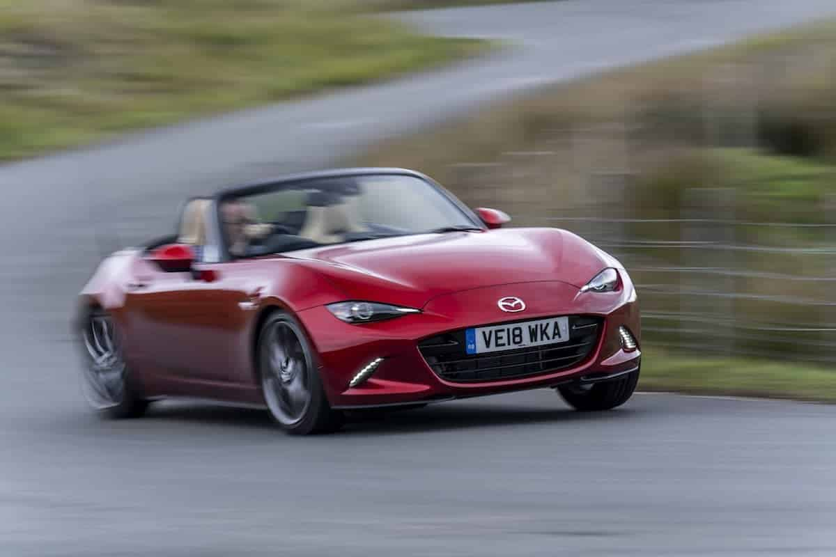 2019 Mazda MX-5 road test blurry speed | The Car Expert