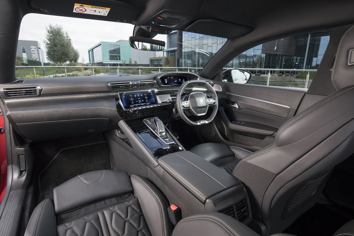 Peugeot 508 review 2018 - front cabin